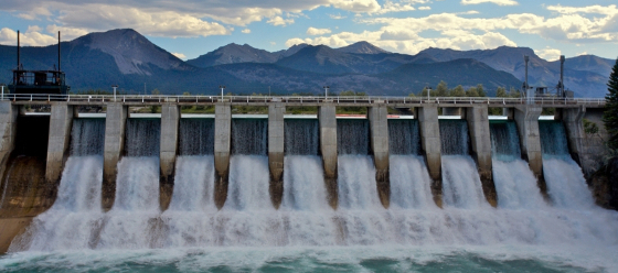 1643416-hydro-dam-spillway